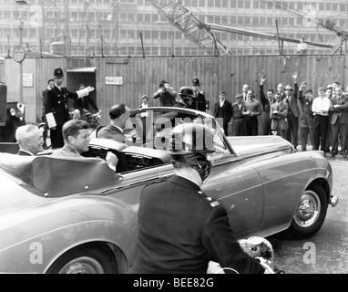 Le Président John F Kennedy à Londres pour le baptême de sa nièce en 1961. Photo Stock