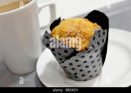 Blueberry muffin et tasse de café Photo Stock