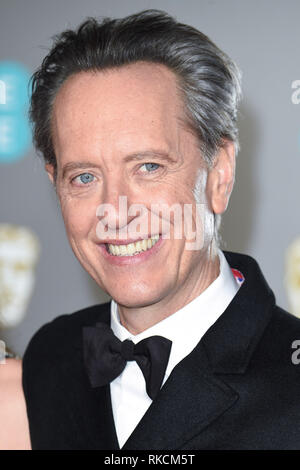 Londres, Royaume-Uni. 10 fév, 2019. Londres, Royaume-Uni. 10 février 2019 : Richard E Grant arrivant pour le BAFTA Film Awards 2019 au Royal Albert Hall, Londres. Photo : Steve Sav/Featureflash Crédit : Paul Smith/Alamy Live News Photo Stock