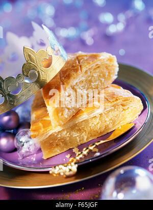 Pâte feuilletée galette des rois gâteau aux amandes et Photo Stock