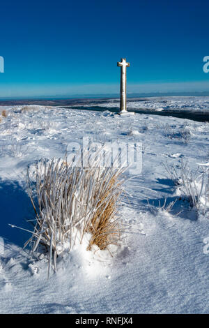Hiver Neige et glace au jeune Ralph's Cross, North York Moors National Park Photo Stock