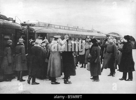 9 1917 1215 A1 16 Brest Litowsk Arrivée de Russ delegacy World War 1 1914 18 l'armistice Allemand Russe Photo Stock