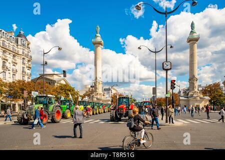 France, Paris, Place de la nation, les agriculteurs manifestation Photo Stock