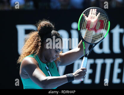 Melbourne Park, Melbourne, Australie. 19 Jan, 2019. Open de tennis d'Australie, jour 6 ; Serena William des États-Unis d'rreacts pendant son match contre Dayana Yastremska de Ukraine Credit : Action Plus Sport/Alamy Live News Photo Stock