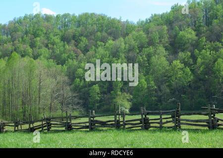 Clôture en lisse, Great Smoky Mountains National Park, frontière de NC et TN. Photographie numérique Photo Stock