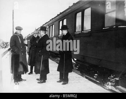 9 1917 1215 A1 6 Kuehlmann et Czernin von Hoesch Photo World War 1 1914 18 armistice Allemand Russe de Brest Litowsk Photo Stock