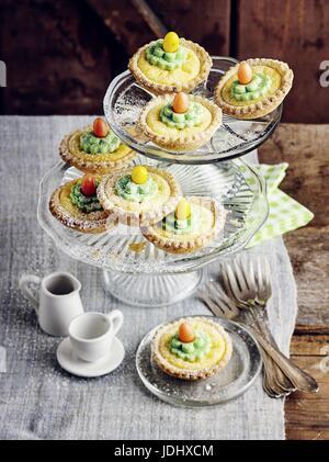 Caillé tartelets Pâques Photo Stock