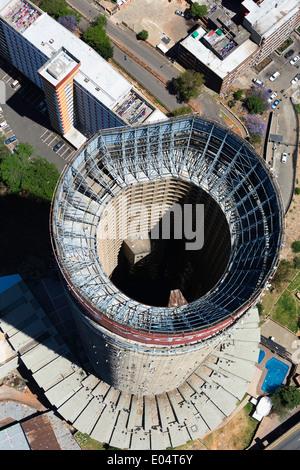 Vue aérienne de Ponte City, plus grand immeuble d'Hillbrow, Johannesburg Afrique du Sud. Photo Stock