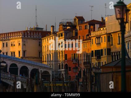Les vieux bâtiments sur le grand canal, Venise, Vénétie, Italie Photo Stock