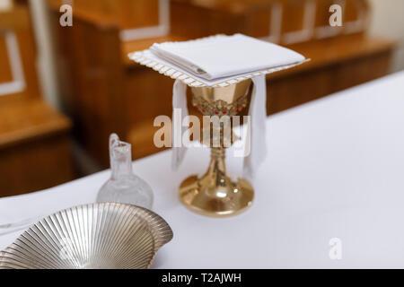 Chiffon plié sur gobelet à wedding Photo Stock