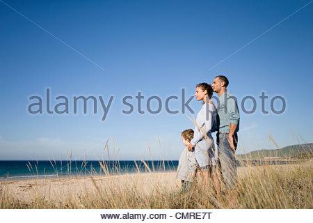 Famille à la côte Photo Stock