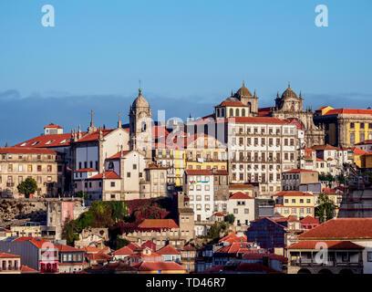 Vue vers l'église de Nossa Senhora da Vitoria, Porto, Portugal, Europe Photo Stock