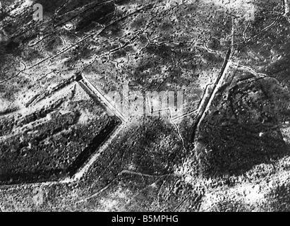 9 1916 1024 A1 2 E Douaumont après récupération 1916 World War 1 1914 18 Western Front Bataille de Photo Stock