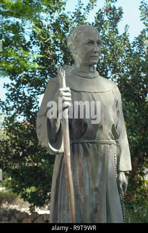 Le Père Junipero Serra statue, Mission San Luis Obispo de San Luis Obispo, CA. Photographie numérique Photo Stock