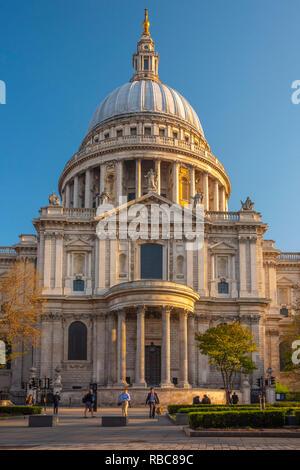 Royaume-uni, Angleterre, Londres, la Cathédrale St Paul Photo Stock