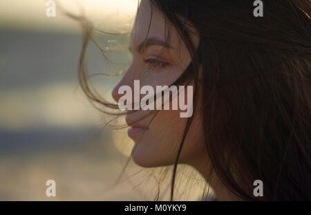 Vent qui souffle de cheveux Caucasian woman Photo Stock