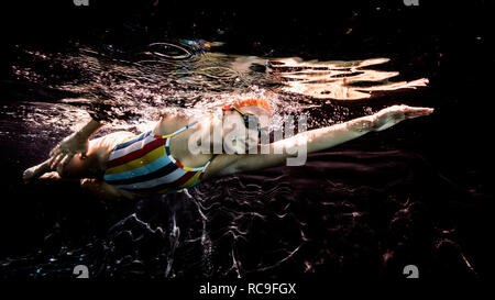 Natation nage libre Photo Stock