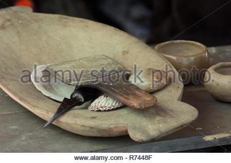 Met en œuvre pour la décoration de poterie, Qualla Cherokee Réservation, Caroline du Nord. Photographie numérique Photo Stock