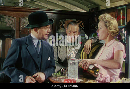L'TITFIELD THUNDERBOLT 1953 Ealing Studios film avec de gauche à droite: Naughton Wayne, Stanley Holloway,Gabrielle brune Photo Stock