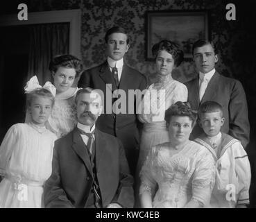 Le sénateur de l'Utah Reed Smoot avec sa famille, ca. 1910. Comme un Mormon, son appartenance au Sénat Photo Stock
