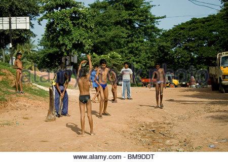 Enfants jouant, TRIVANDRUM Photo Stock