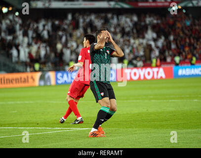 21 janvier 2019, Zayed Sports City Stadium, Abu Dhabi, Émirats arabes unis ; football coupe d'Asie de l'AFC, ronde de 16 ans, Emirats Arabes Unis contre le Kirghizistan ; Ali Mabkhout des Emirats arabes unis après avoir manqué une grande chance Photo Stock
