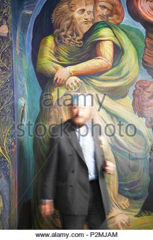 Depuis 1989, l'artiste autrichien Ernst Fuchs travaille sur son Fuchs-Kapelle colorés dans l'apocalypse de l'Stadthauptpfa Photo Stock
