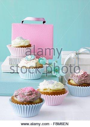 Fairy cake à la vanille et crème au chocolat Photo Stock