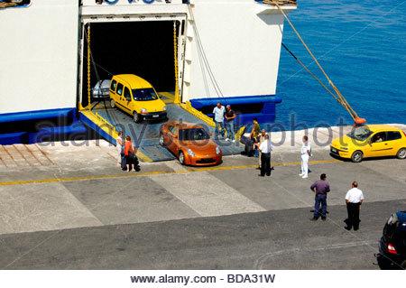 Un traversier à Rhodes, Grèce Photo Stock