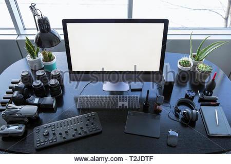 La photographie et l'équipement de l'opérateur de drones sur 24 Photo Stock