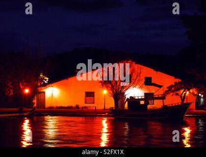 Certains sentiments romantiques à Paraty city dans la nuit. Paraty - Rio de Janeiro - Brésil Photo Stock