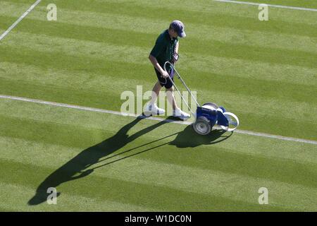 Wimbledon, Londres, Royaume-Uni. 2 juillet 2019. Jour 2 Préparation du championnat, le tournoi de Wimbledon 2019, 2019 Allstar Crédit: photo library/Alamy Live News Photo Stock