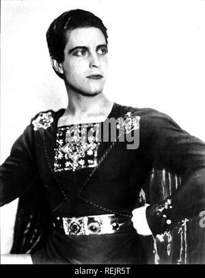 RAMON NOVARRO (1899-1968) acteur de cinéma mexicain dans le rôle-titre de Ben-Hur en 1925 Photo Stock