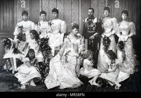 Photographie prise pendant le mariage du Roi George V et la Reine Mary de teck. Photographie du roi George V et la Reine Mary de Teck avec leur premier enfant HM Édouard VIII. Le roi George V (1865-1936) Roi du Royaume-Uni et les Dominions britanniques, et l'empereur de l'Inde. La Reine Mary de Teck (1867-1953) Reine du Royaume-Uni et les Dominions britanniques et l'Impératrice de l'Inde en tant qu'épouse d'King-Emperor George C. datée du 19e siècle Photo Stock