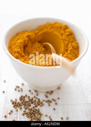 Le curcuma et les graines de coriandre Photo Stock