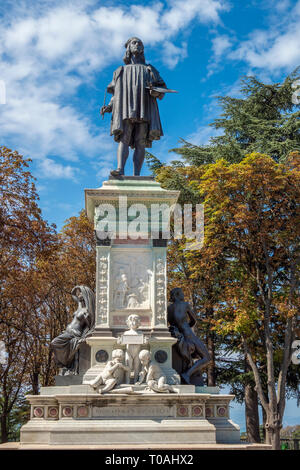 Raphael's monument par le sculpteur Luigi Belli, Urbino Ville historique, Marches, Italie Photo Stock