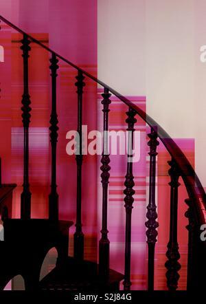 Résumé fond rose avec escalier Photo Stock