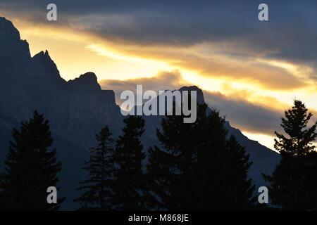 Montagnes et rivières spectaculaires des Rocheuses, Banff, Canmore Photo Stock