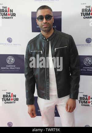 Kayas Irshad participant à la pratique dentaire de la herse, pour la première fois, un dîner de gala de charité au profit de la tumeur au cerveau de bienfaisance à l'Intercontinental Hotel à London 02 Photo Stock
