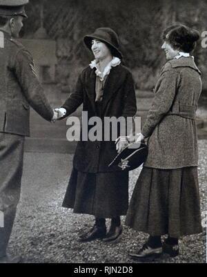 Au cours de la Première Guerre mondiale, le château de Glamis a été transformé en un hôpital pour les blessés. Lady Elizabeth Bowes Lyon (plus tard la reine Elizabeth consort de Grande-Bretagne), a permis d'infirmière les soldats. 1917 Photo Stock