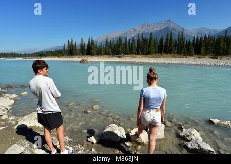 La rivière Kootenay, parc national de Kootenay en Colombie-Britannique, Canada. Parution du modèle Photo Stock