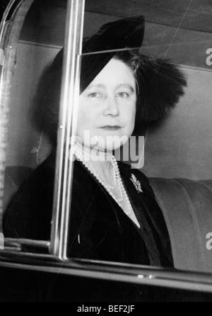 La Reine mère, Elizabeth Bowes-Lyon, dans les années 70. Photo Stock