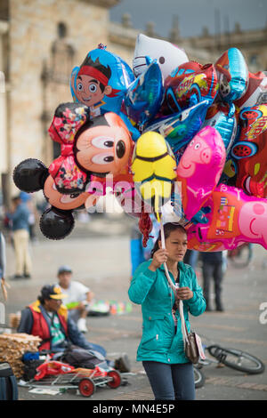 Les sections locales dans la région de Plaza de Bolivar un dimanche après-midi, Bogota, Colombie Photo Stock