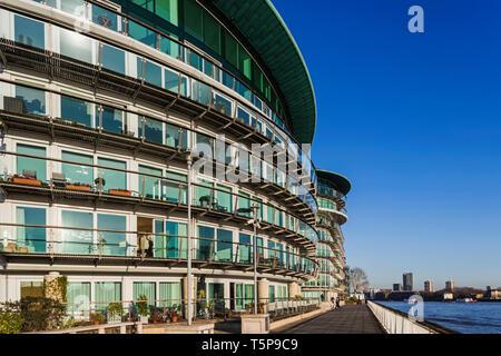 L'Angleterre, Londres, Wapping, Quai de cinabre Complexe résidentiel Riverside Photo Stock