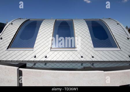 Vue sur le zinc toiture de bardeaux. Qatar Airways siège, Londres, Royaume-Uni. Architecte: PLP Architecture, 2019. Photo Stock