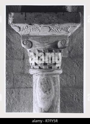 Toscane Siena Montalcino environs Abbaye de S. Antimo, église abbatiale, c'est mon l'Italie, l'Italie Pays de l'histoire visuelle, l'architecture médiévale, la sculpture architecturale, 9e siècle, 1118, ch. 1250, crucifix en bois, peinture, fresques. Post-médiévale fresque représentant la Résurrection Photo Stock