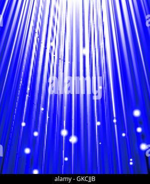 Stars tombent sur le fond de rayons bleus. Photo Stock