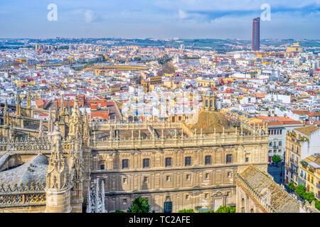 Vue vers l'ouest de la ville de Séville de la tour Giralda, de l'Espagne. Photo Stock