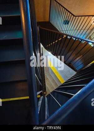 Au-dessus de l'escalier. Pálás Cinéma, Galway, Irlande. Architecte: dePaor, 2017. Photo Stock