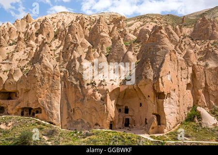 Géographie / voyage, Turquie, Moyen-Orient, la Cappadoce, la roche de tuf formations à la vallée Photo Stock